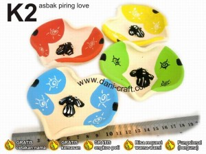 souvenir asbak piring love