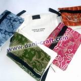 dompet souvenir batik