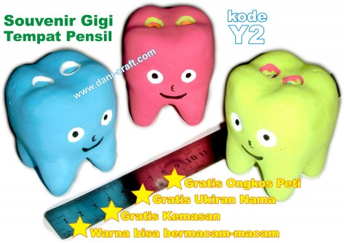 souvenir gigi tempat pensil
