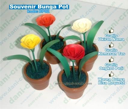 souvenir bunga pot