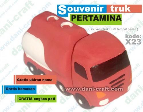 souvenir truk BBM pertamina