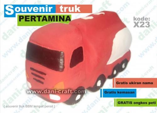 souvenir truk pertamina BBM