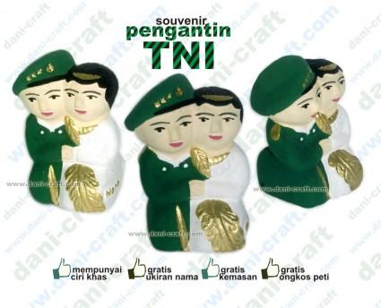 pengantin TNI seragam TNI