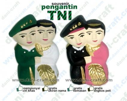 pengantin TNI souvenir TNI