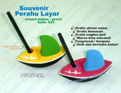 Souvenir Perahu