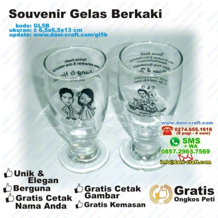 souvenir gelas berkaki