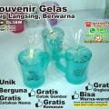 souvenir gelas warna