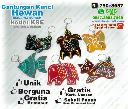 souvenir hewan gantungan kunci
