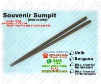 sumpit souvenir hitam