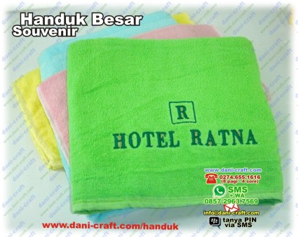 souvenir handuk hotel