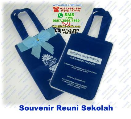 souvenir reuni sekolah