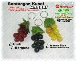 Gantungan Kunci Anggur